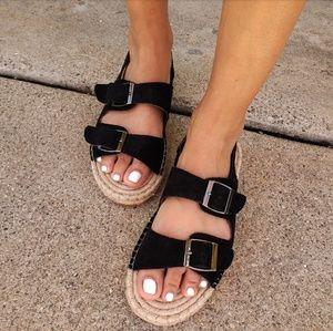 Shoes - 🆕️//The Julieta// black buckle strap sandal